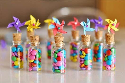 b973ebdc7 Ideas para hacer souvenirs para fiestas - Botellita dulce